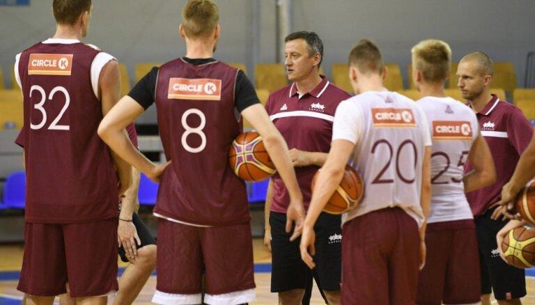 Latvijas basketbola izlase uz PK kvalifikācijas noslēdzošo spēli Melnkalnē dosies ar līgumreisu