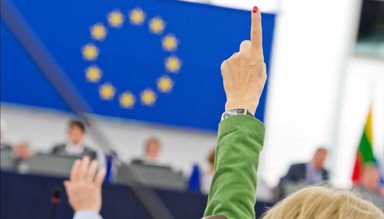Разбор полетов: что сделали латвийские депутаты за свой первый год в Европарламенте