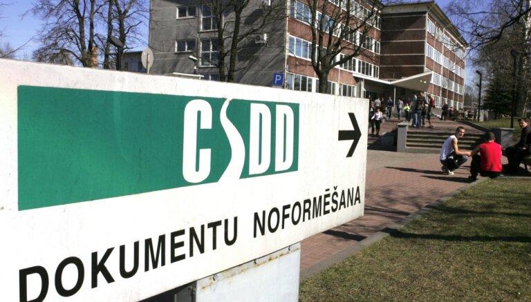 CSDD piecos mēnešos izsniegusi par piektdaļu mazāk vadītāja apliecību