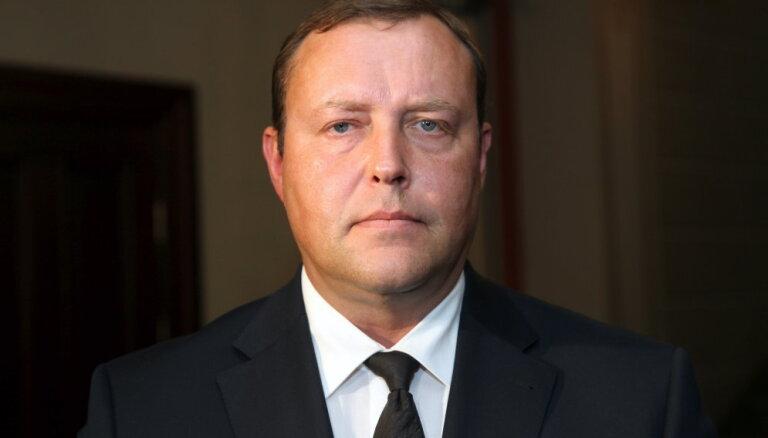 Kozlovskis vairs nekandidēs uz iekšlietu ministra amatu