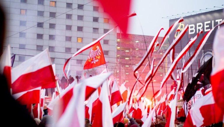Korupcijas skandāls radījis izaicinājumus Polijas valdībai