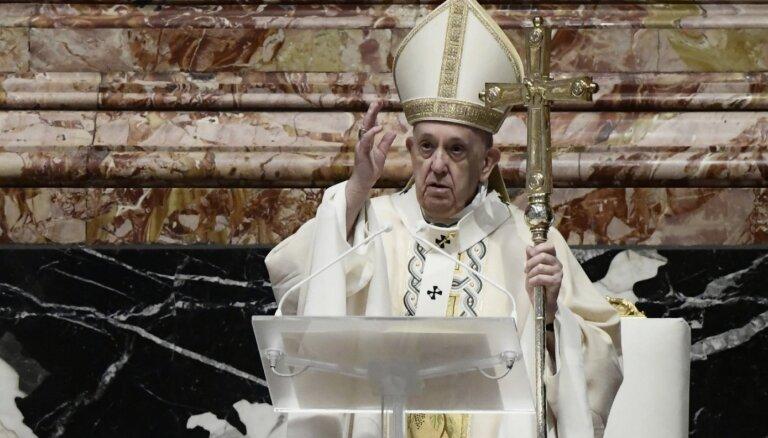 Pāvests Lieldienu vēstījumā mudina gādāt, lai Covid-19 vakcīnas saņemtu arī nabadzīgākās valstis