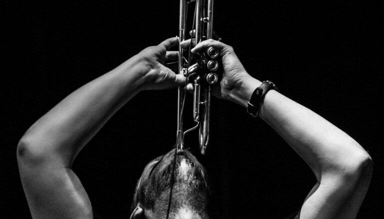 Kalnciema kvartālā uzstāsies avangarda mūzikas trompetists Neits Vūlijs