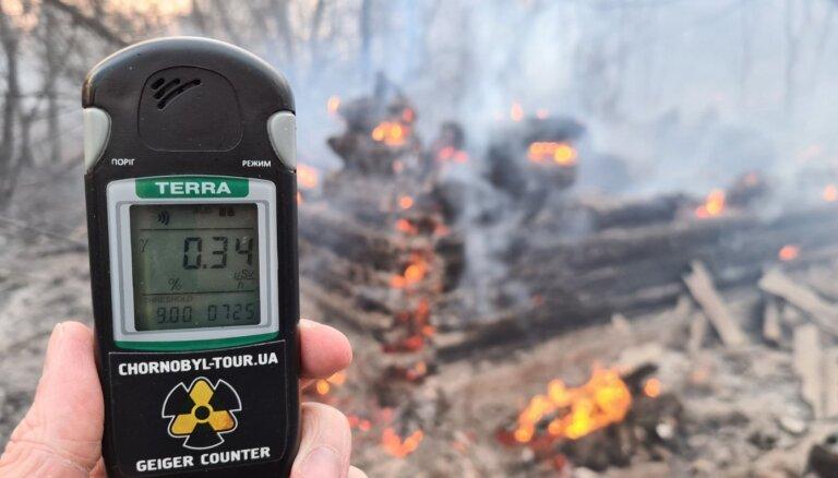 Зеленский: пожар в зоне отчуждения ЧАЭС потушен, худшего удалось избежать