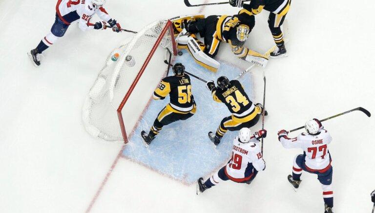 'Penguins' uzvar 'Capitals' un izlīdzina rezultātu sērijā