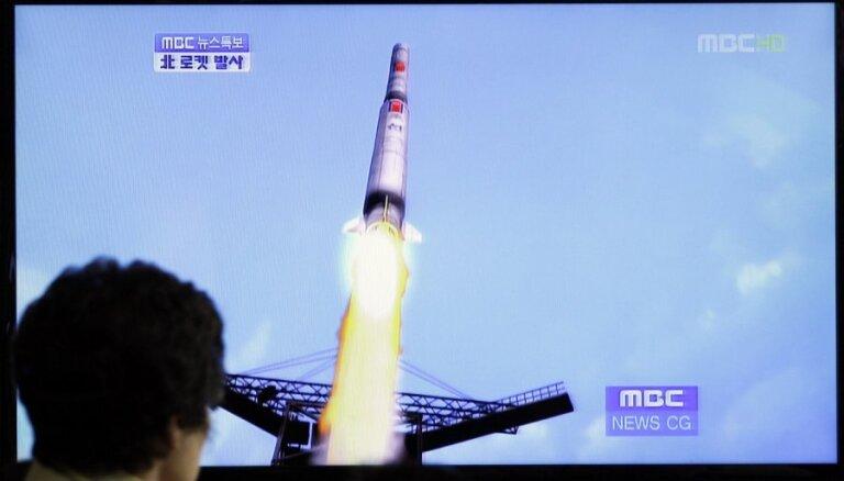 Analītiķi: Vēlreiz palaist raķeti ar satelītu Ziemeļkoreja varētu 2015. gadā