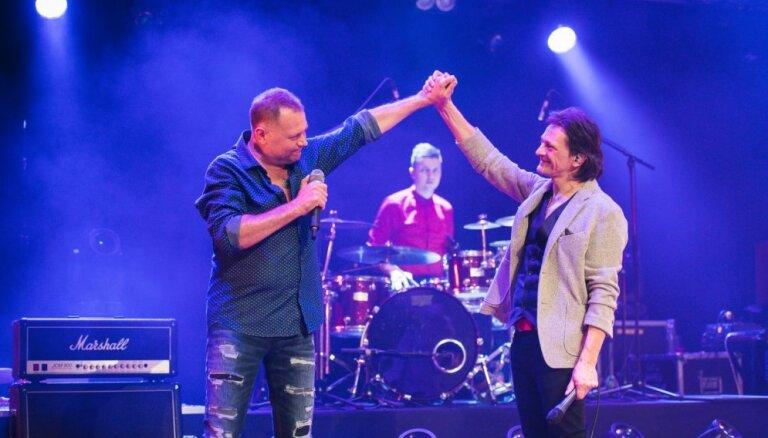 Foto: Ivo Fomins sāk jubilejas turneju ar koncertiem dzimtajā Liepājā