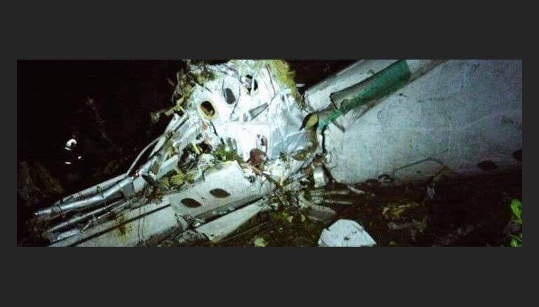 Очевидцы сняли на видео крушение грузового самолета Boeing 727