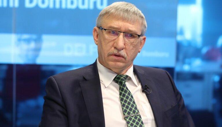 'Delfi TV ar Jāni Domburu' atbild Ēriks Kalnmeiers. Pilns ieraksts