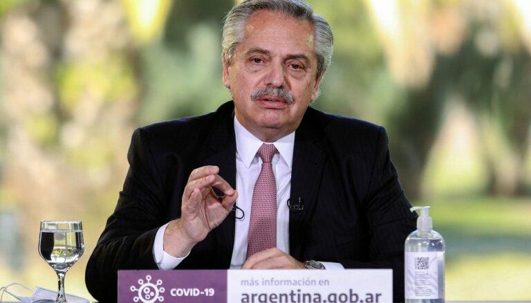 Argentīnas defolts: valsts vienojusies par parāda pārstrukturēšanu