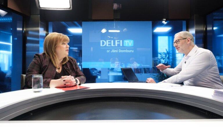 'Delfi TV ar Jāni Domburu' atbild valsts kontroliere Elita Krūmiņa. Intervijas teksts