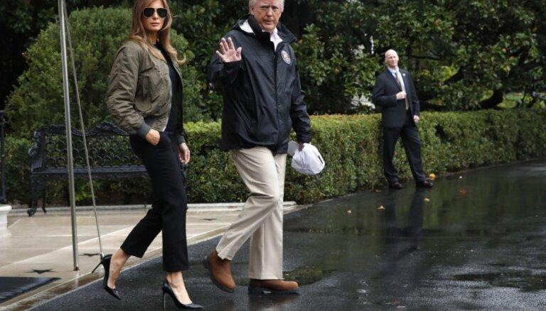 ФОТО: СМИ раскритиковали Меланию Трамп за неудачный выбор обуви
