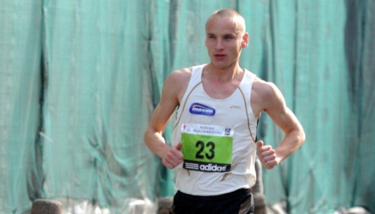 Жолнерович обновил рекорд Латвии в марафоне 18-летней давности