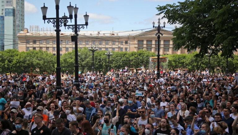 Habarovskā turpinās protesti pret novada gubernatora aizturēšanu