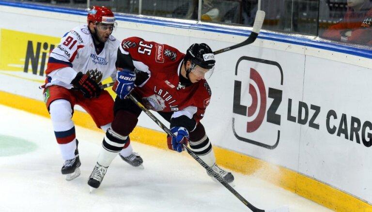 Latvijas hokeja izlase pārbaudes turnīrā Francijā piedalīsies bez vairākiem līderiem