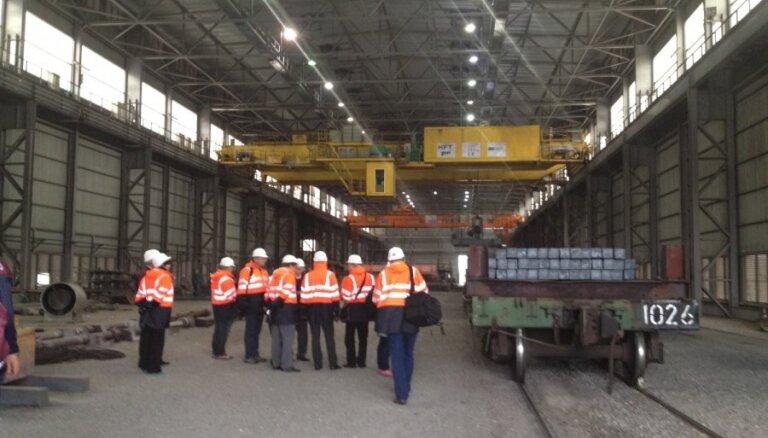 Работников Liepājas metalurgs призывают отстаивать права при увольнении