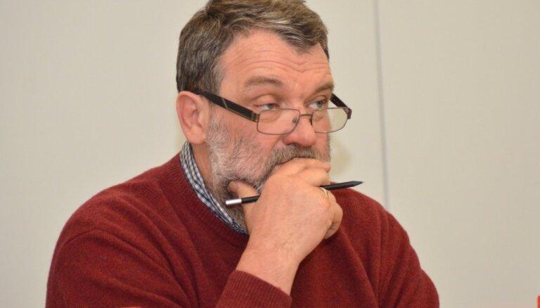 Politologs: Ušakova atstādināšana var nākt par labu gan 'Saskaņai', gan 'Attīstībai/Par!'
