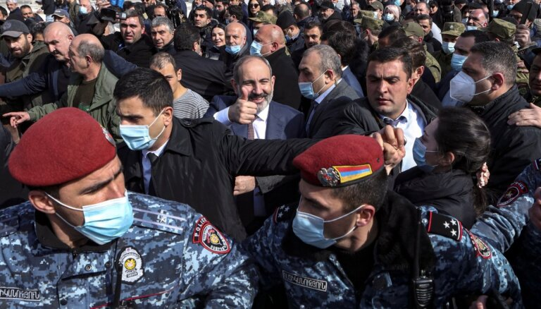 В Ереване идут массовые протесты против Никола Пашиняна