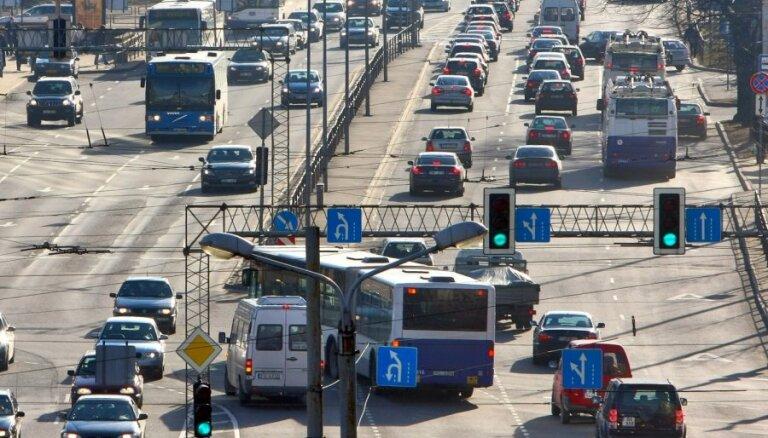 Rīgā gaidāmo svētku dēļ jau sāk veidoties sastrēgumi
