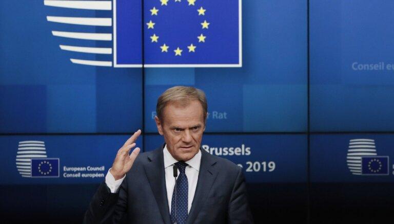 ES tuvojas kompromisam amatu sadalē, paziņo Tusks