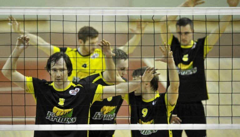 'Poliurs/Ozolnieki' volejbolisti piektajā setā varonīgi atspēlējas un izcīna bronzu Baltijas līgā