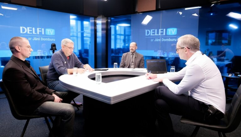 'Delfi TV ar Jāni Domburu' Lāčplēša dienas diskusija par kritušo karavīru meklēšanu