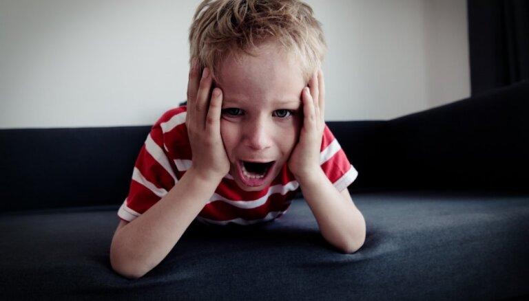 'Atstāj mani vienu!' – kā tikt galā ar bērna sakāpinātajām emocijām