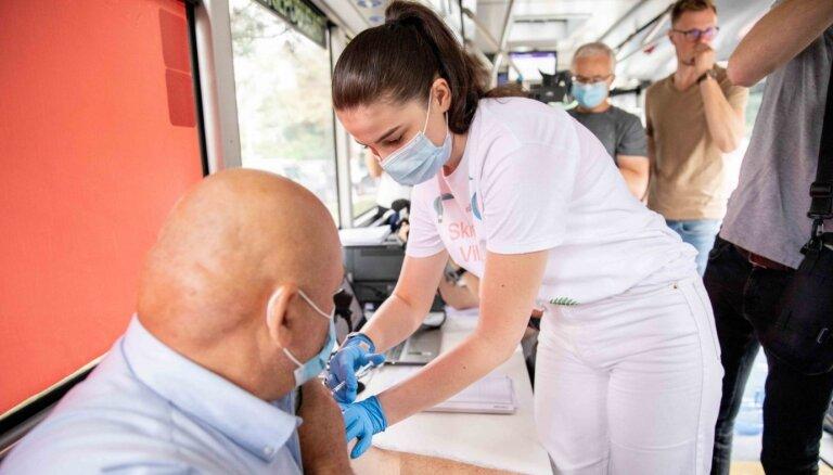 ФОТО: По Вильнюсу будут курсировать автобусы для вакцинации населения