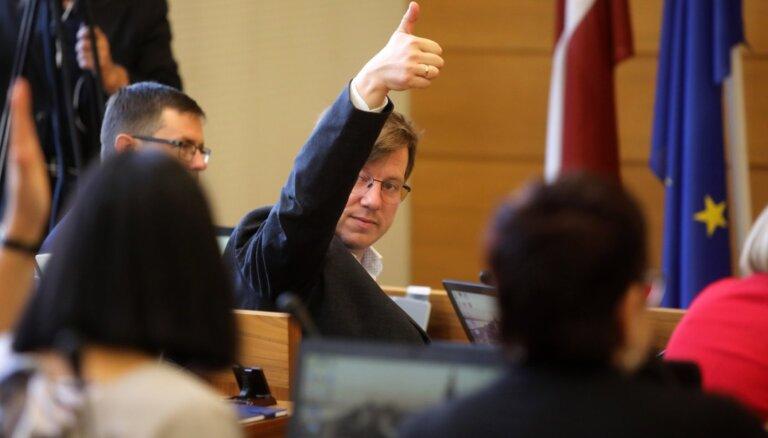 Rīgas domes komitejas vēlēs pirmdien; zināms plānotais sastāvs