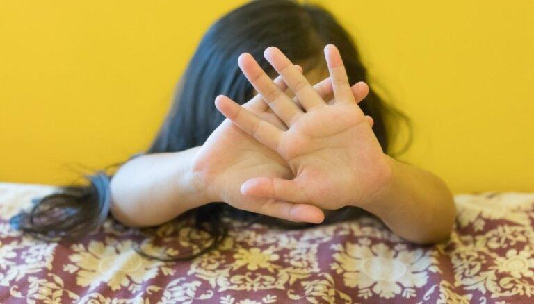 Отчим насиловал падчерицу более пяти лет: у пострадавшей родился ребенок