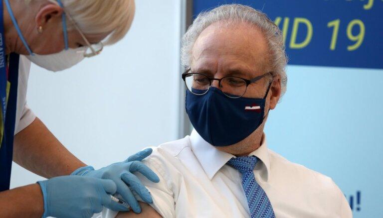 Levits un eksprezidenti otro 'AstraZeneca' vakcīnas pret Covid-19 devu saņems 15. aprīlī