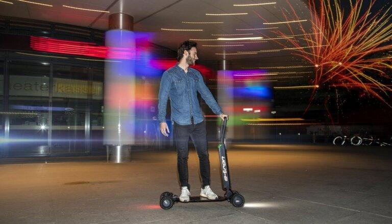 'Audi' izstrādājis elektriskā skrejriteņa un skrituļdēļa hibrīdu