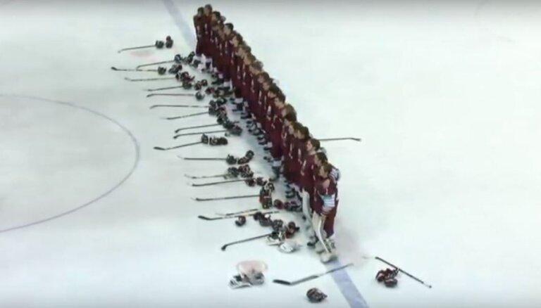 Latvijas U-20 hokejisti realizē trīs vairākumus un PČ mačā pārliecinoši pieveic Austriju