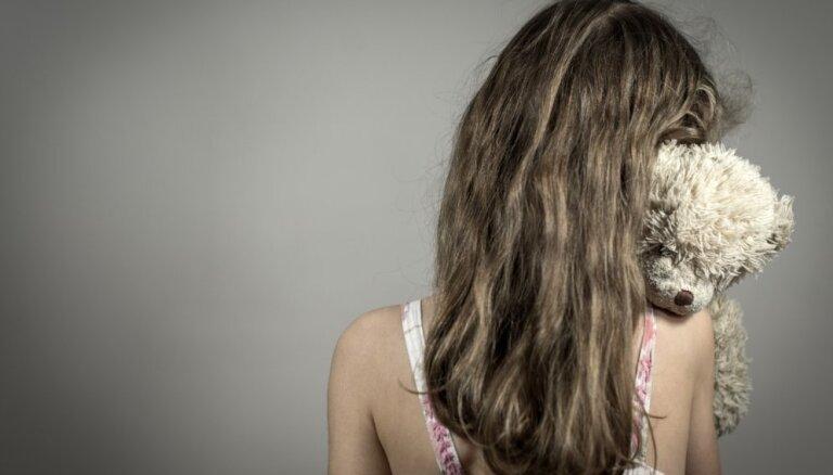 Akcijā pret seksuālo vardarbību aicina pārtraukt klusēšanu