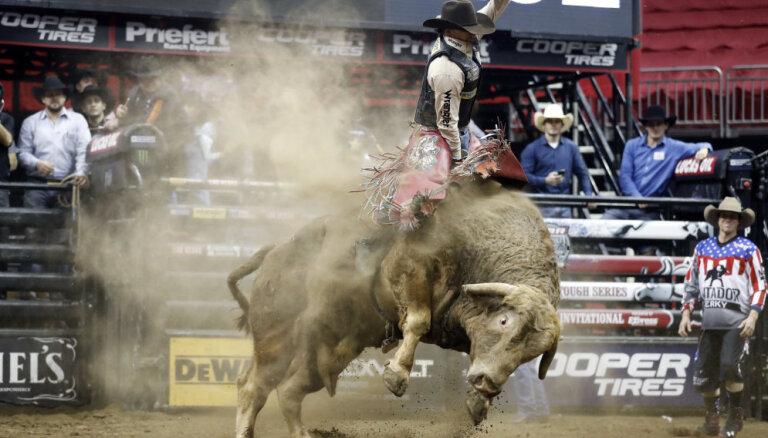 Во время родео бык ударом копыта убил одного из лучших наездников в мире