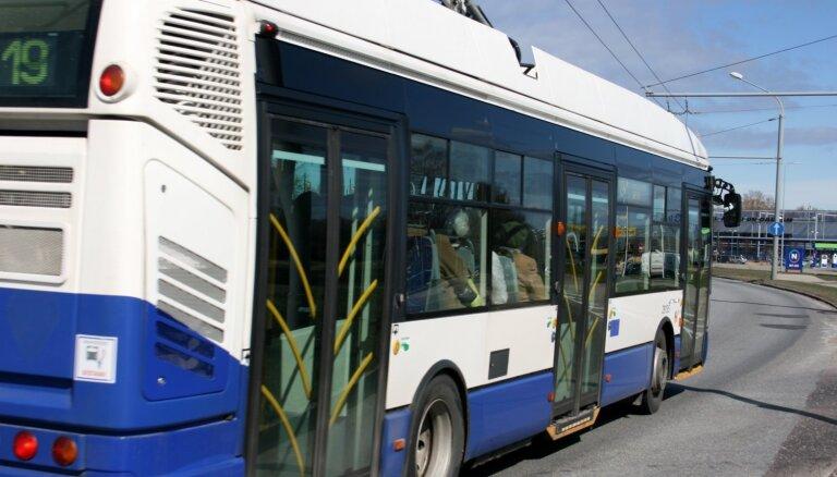 Galvaspilsētā sabiedriskais transports kursēs pēc brīvdienu grafika