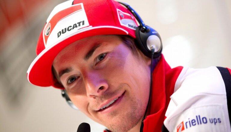 Бывший чемпион MotoGP скончался от полученных травм, катаясь на велосипеде