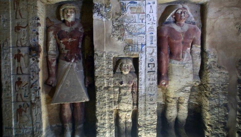 Foto: Ēģiptē atklātas vairāk nekā četrus tūkstošus gadu senas kapenes
