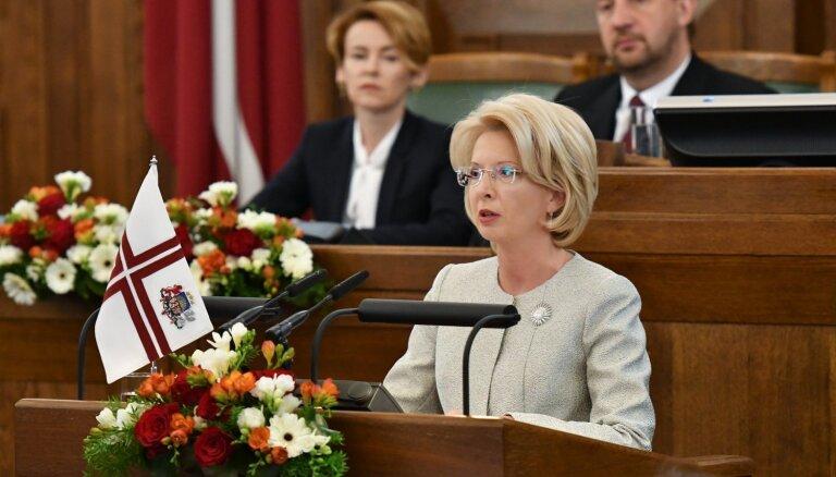 Valstī ir par daudz nevienlīdzības, Saeimas svinīgajā sēdē saka Mūrniece