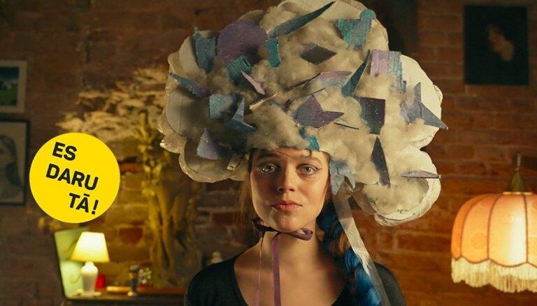 Krāmu mode: Elizabetes Balčus ekstravaganto cepuru stāsts