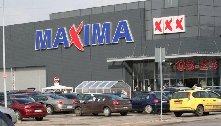 В Maxima на ул. А. Деглава искали взрывчатку: персонал и покупатели эвакуированы