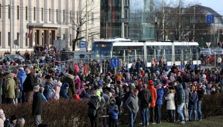 В пасхальные выходные изменится расписание общественного транспорта и время работы стоянок
