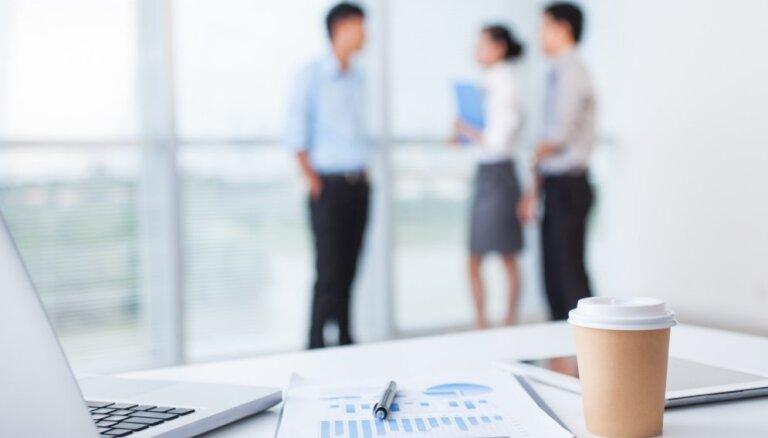 10 svarīgi ekspertu ieteikumi jauniešiem, kuri meklē darbu