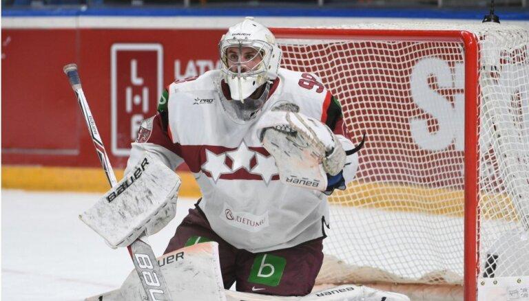 Latvijas hokeja izlase pastiprinātā sastāvā izbraukumā tiekas ar Slovākiju