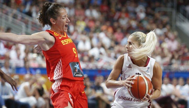 Сборная Латвии дала серьезный бой испанкам и вышла в плей-офф Евробаскета