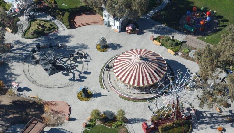 Maikla Džeksona 'Neverland' rančo nopircis miljardieris Bērkls