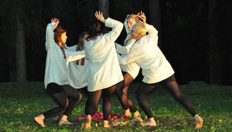 Notiks Laikmetīgās dejas festivāla 'Vides deja' pirmizrādes