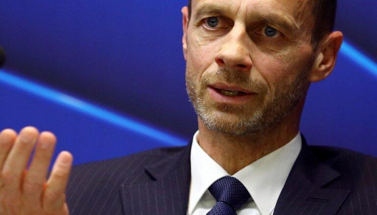 Pēc astoņu gadu pārtraukuma Latvijā viesosies UEFA prezidents