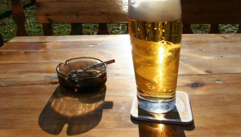 VID publisko iedzīvotāju iecienītākās cigaretes; alkohola un alus topu vairs neatklās