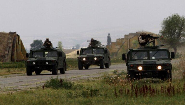 """Посол: Международный батальон НАТО прибудет в Латвию, """"когда растает снег"""""""